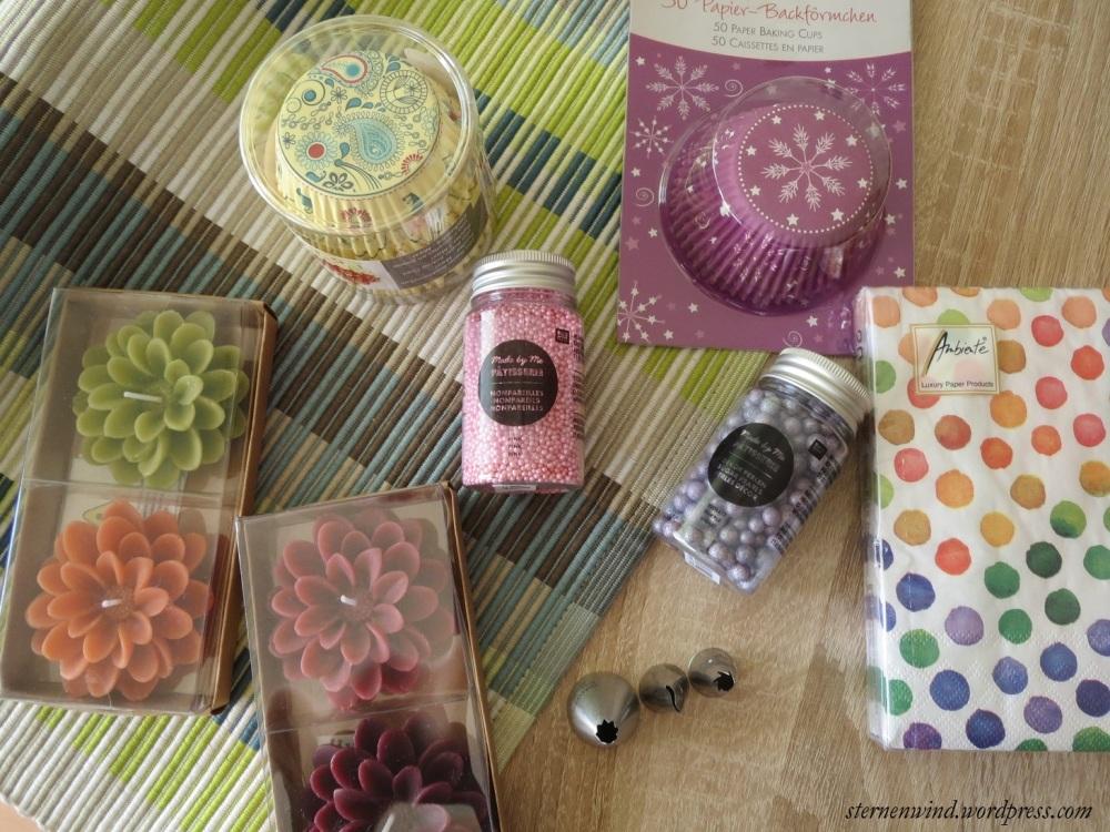 Rezept: Brombeercupcakes mit weißer Schokolade und Erdbeerfrosting (4/6)