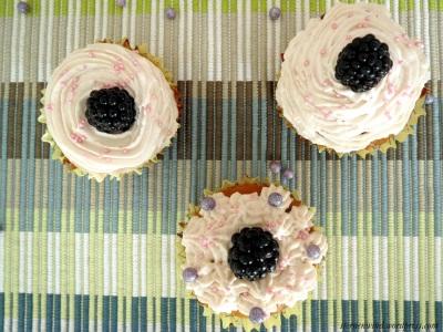 Brombeer-Cupcakes von oben
