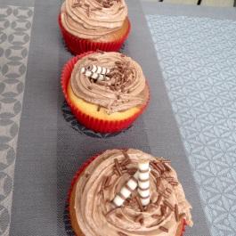 Schokocupcakes mit Swiss Meringue Buttercreme