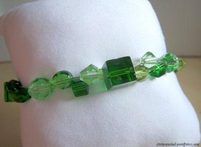 Armband in grün