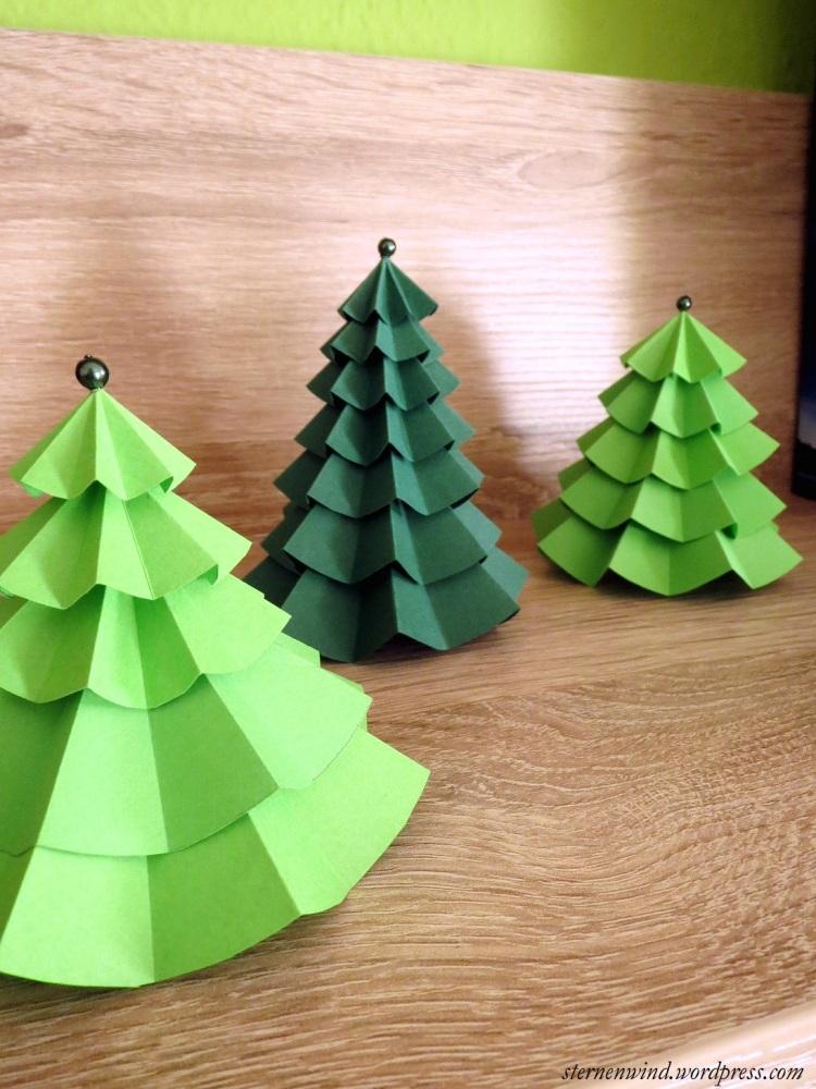 DIY: Tannenbäumchen aus Papier falten (1/6)