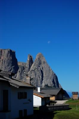 Schlern Südtirol mit Mond